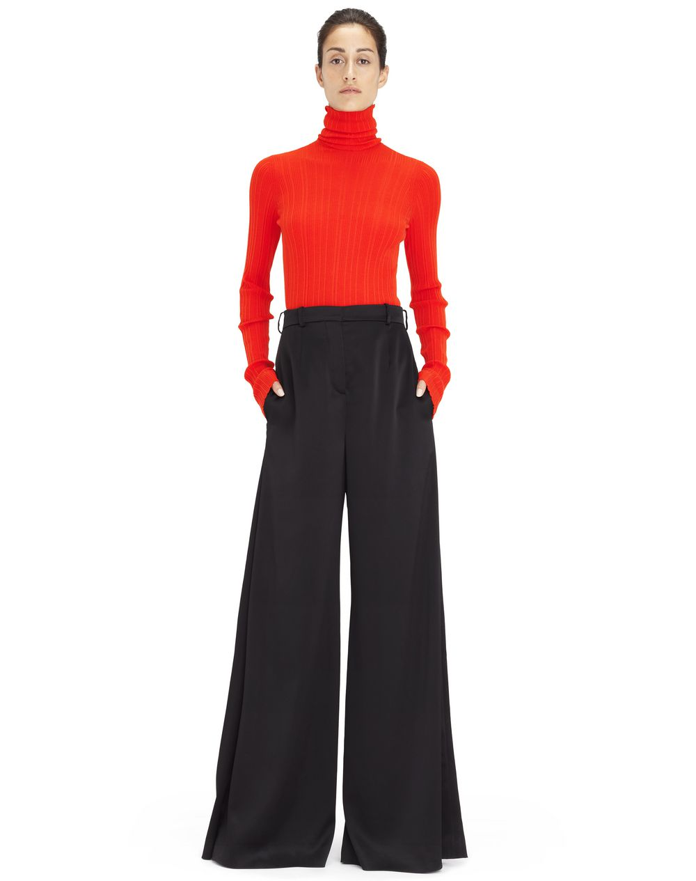 Pantalon large en crêpe satin noir, taille haute Lanvin – Prix €1 190