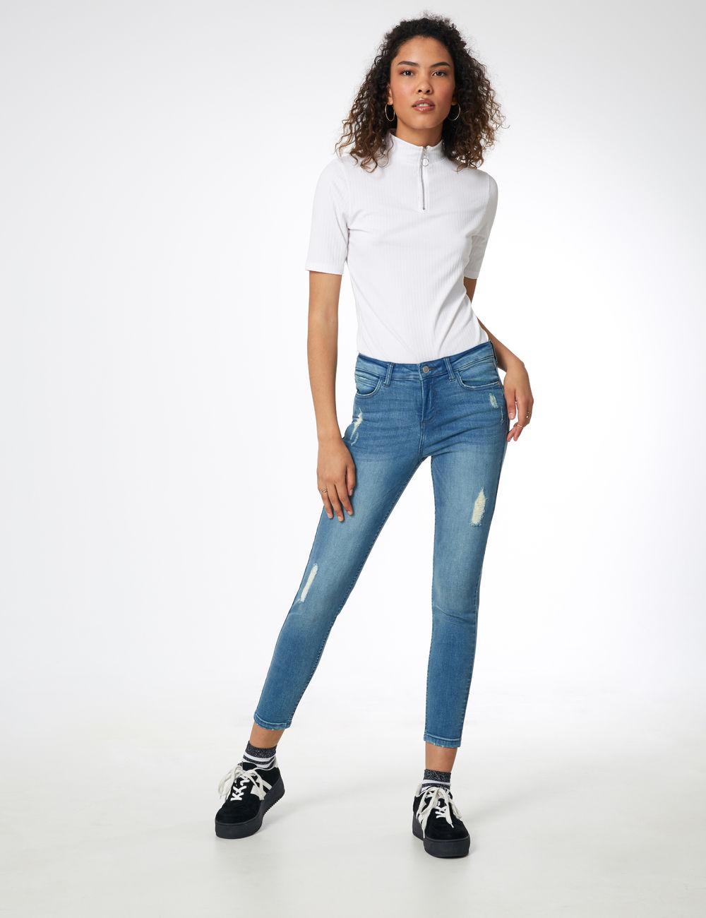 jean skinny destroy bleu clair Jennyfer prix 24,99 €