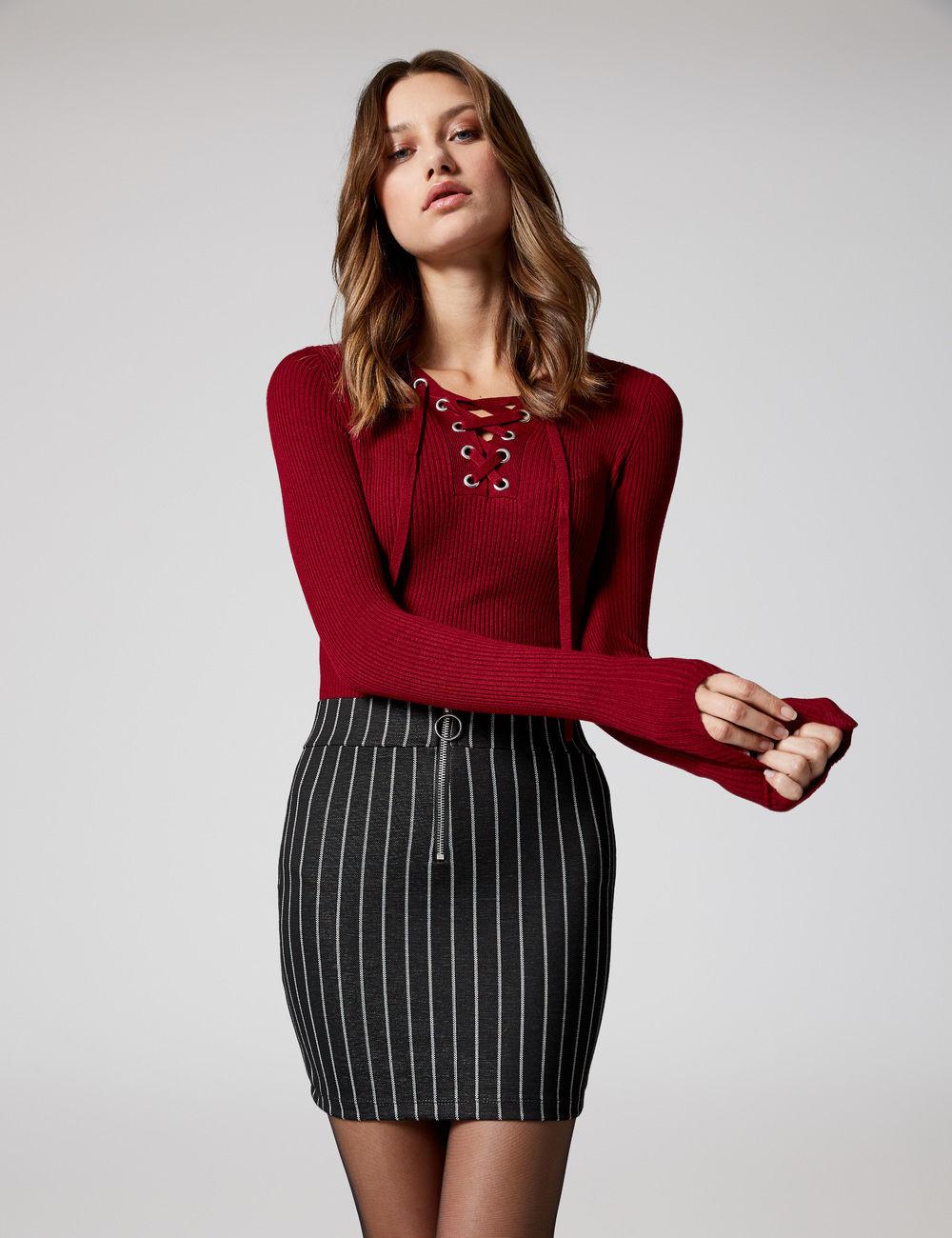 jupe tube rayée et zippée noire et blanche Jennyfer prix 12,99 €