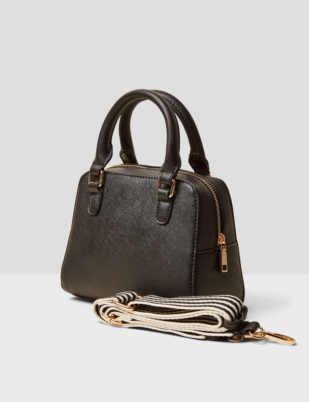 sac à main noir Jennyfer prix 16,99 €