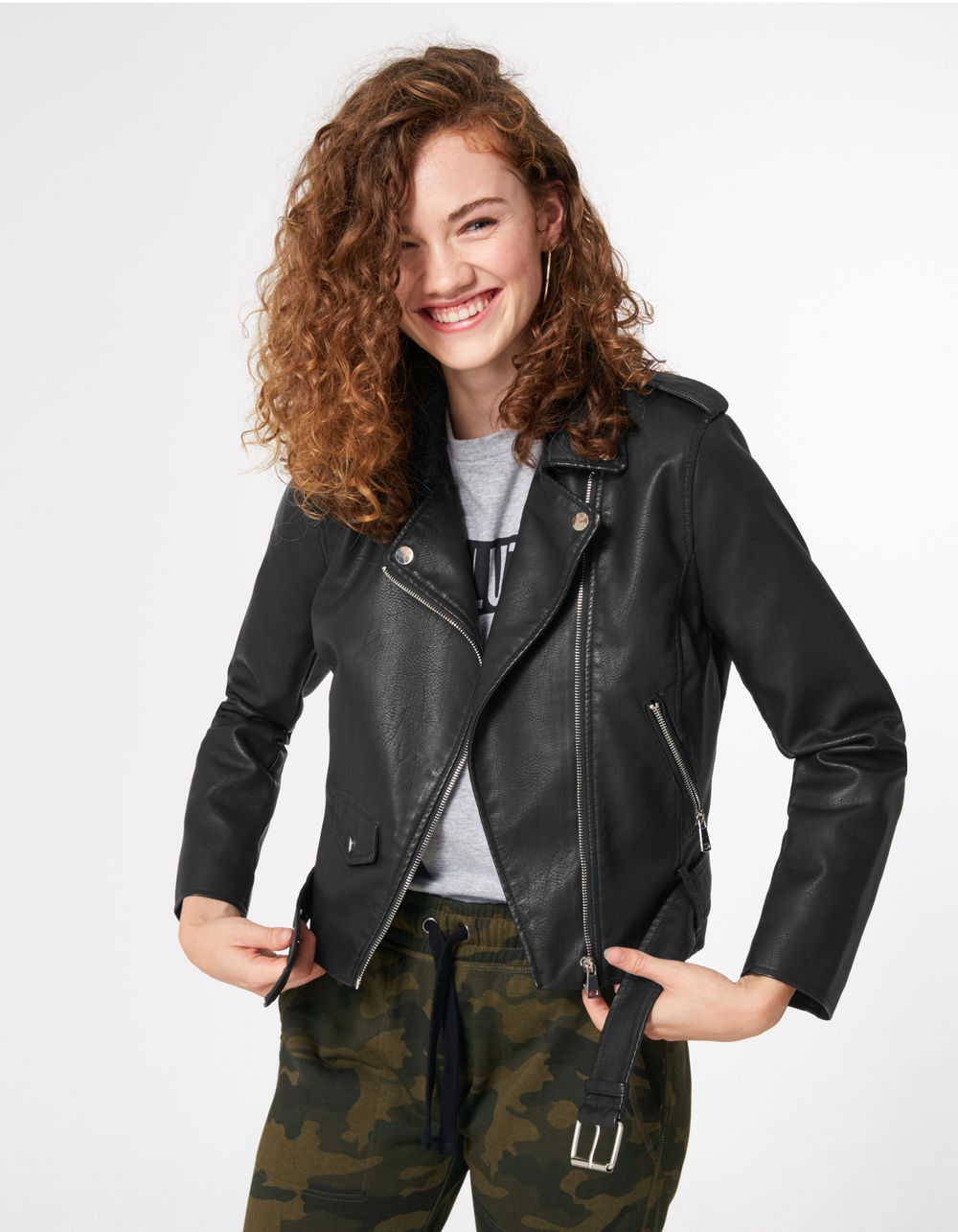 veste biker avec ceinture noire Jennyfer prix 29,99 €