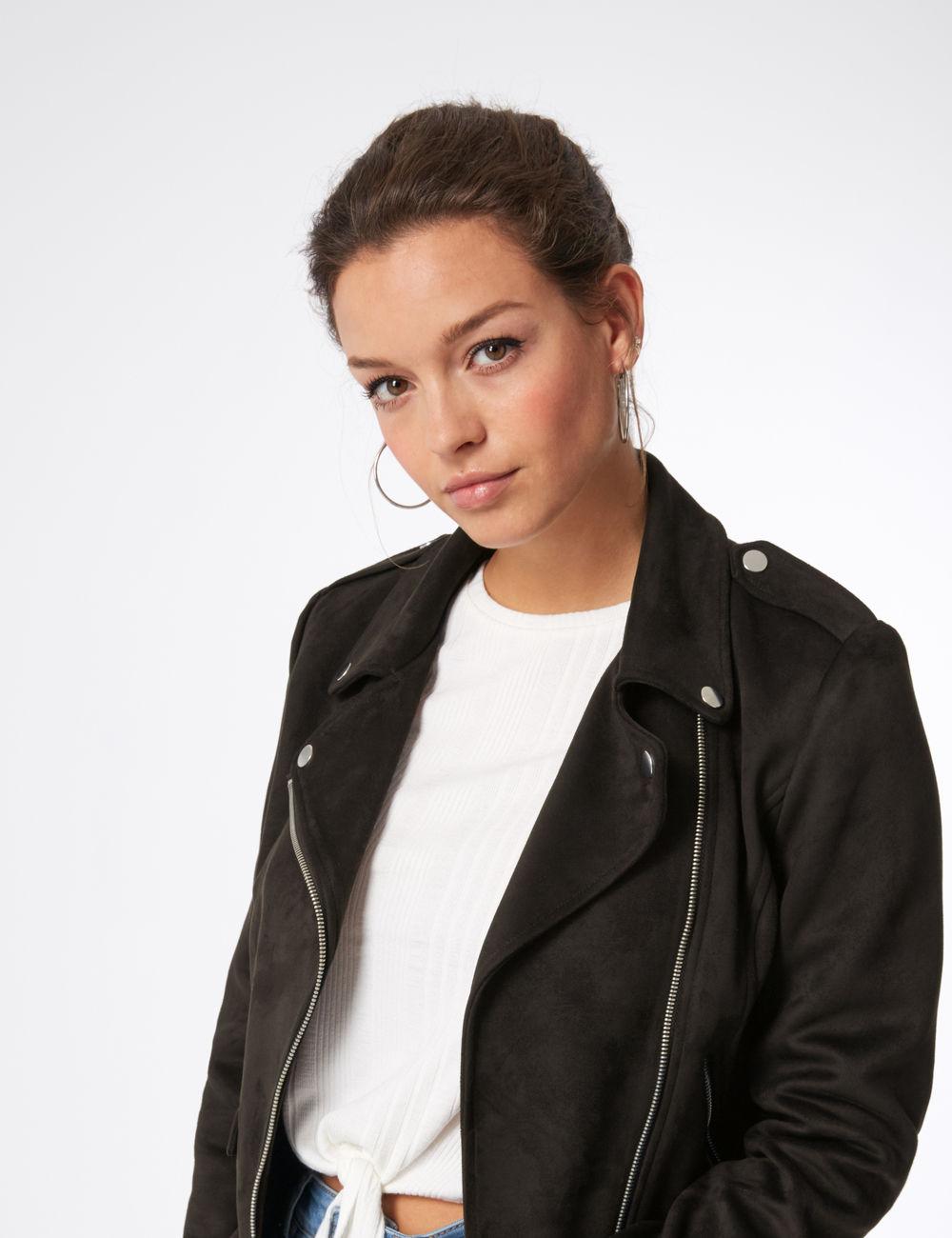 veste biker avec ceinture noire Jennyfer prix 35,99 €