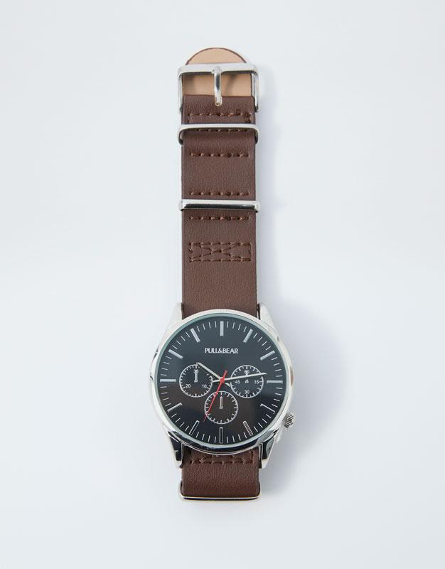 Montre chronomètre similicuir Pull&Bear Prix 69.90 TND
