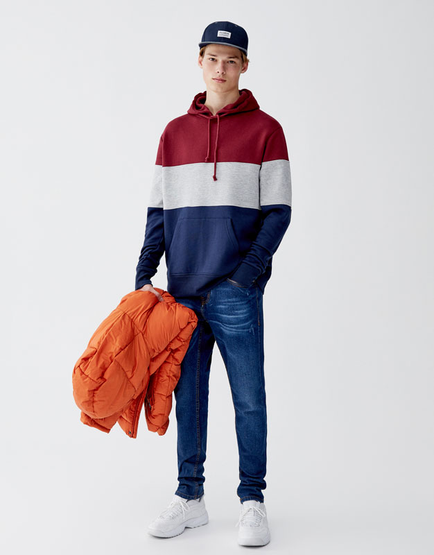 Sweat capuche panneaux pull and bear Prix 89.90 TND
